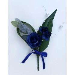 Boutonnière rose bleu roi